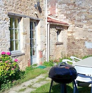 House With 5 Bedrooms In La Caillere Saint Hilaire With Enclosed Garden And Wifi 55 Km From The Beach photos Exterior
