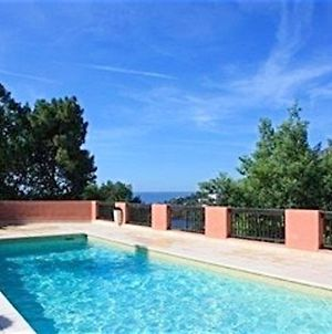 Apartment With 3 Bedrooms In Theoulesurmer With Wonderful Sea View Shared Pool And Furnished Terrace 900 M From The Beach photos Exterior