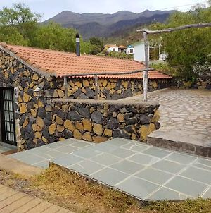 House With One Bedroom In Los Llanos With Wonderful Mountain View Shared Pool And Furnished Garden 9 Km From The Beach photos Exterior