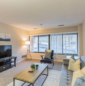 Beautiful 1-Bedroom Flat Just Outside D.C. photos Exterior