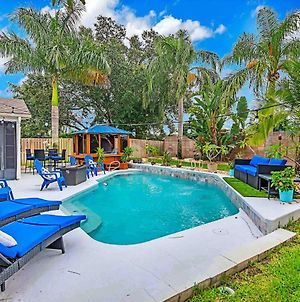 Urban Oasis W/Hot Tub, Heated Pool And Private Movie Theater Home photos Room