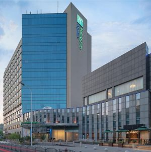 Holiday Inn Express Shanghai Jinqiao Central photos Exterior