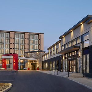 Towneplace Suites By Marriott Oshawa photos Exterior
