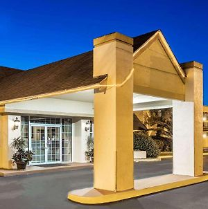 Howard Johnson By Wyndham Lake City photos Exterior