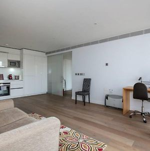 Modern 1 Bed In The Perfect Location- Very Central photos Exterior