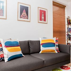 Colourful Modern Brixton 2 Bed With Balcony photos Exterior