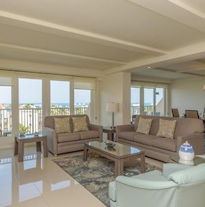 Oceanview Jewel For Large Families! Beachfront Resort, Shared Pools & Jacuzzi photos Exterior