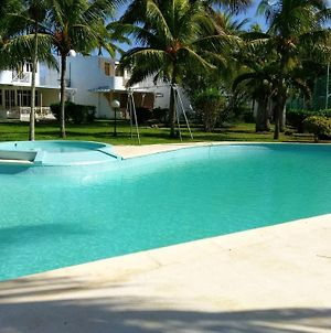 House With 3 Bedrooms In Trou Aux Biches With Shared Pool Enclosed Garden And Wifi photos Exterior