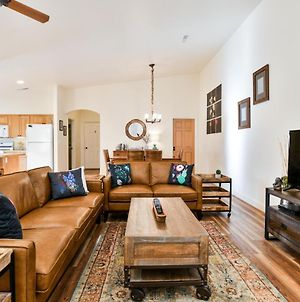 Cw419 - Gorgeous 3 Bed/2 Bath Elegant Townhome, Located In The Heart Of Downtown Moab photos Exterior