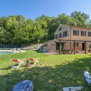 Welcoming Villa In Montefelcino With Swimming Pool photos Exterior