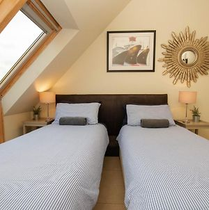 Waterside Self-Catering Serviced Rooms, Studios, Cottages & Bed & Breakfast photos Exterior