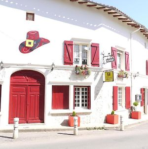 Le Chapeau Rouge photos Exterior