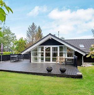 Three-Bedroom Holiday Home In Vaeggerlose 25 photos Exterior