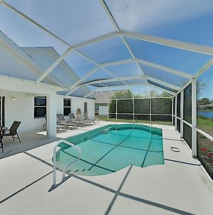 Sweet Fort Myers Beach Retreat With Pond-View Pool Home photos Exterior
