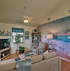 Surfside Beach Retreat With Deck - Walk To Beach photos Exterior