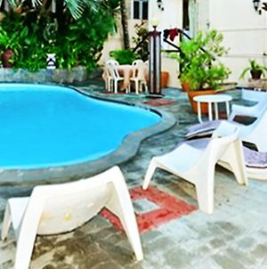 Apartment With 3 Bedrooms In Grand Baie, With Shared Pool, Furnished Terrace And Wifi - 1 Km From The Beach photos Exterior