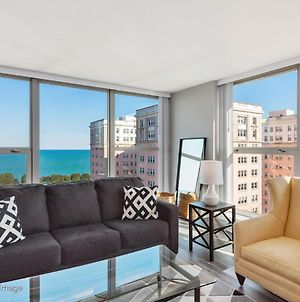 New Panoramic Lake Michigan Views Uptown 2Br photos Exterior