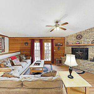 New Listing! Mountain Hideaway With Hot Tub Cabin photos Exterior