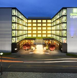 Holiday Inn Express Zurich Airport, An Ihg Hotel photos Exterior