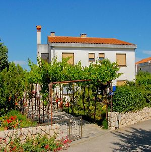 Apartments Vucic Near The Old Town Of Krk photos Exterior