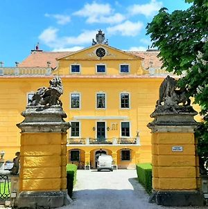 Glorious Castle In Sankt Polten With Sauna photos Exterior