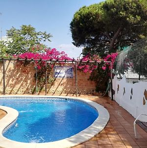Villa With 2 Bedrooms In Punta Umbria, With Private Pool, Enclosed Garden And Wifi photos Exterior