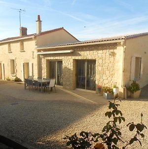 House With 4 Bedrooms In Taize With Enclosed Garden And Wifi 80 Km From The Beach photos Exterior