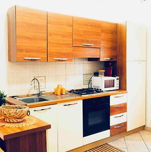 Apartment With One Bedroom In Lido Di Ostia With Wonderful City View Balcony And Wifi 1 Km From The Beach photos Exterior