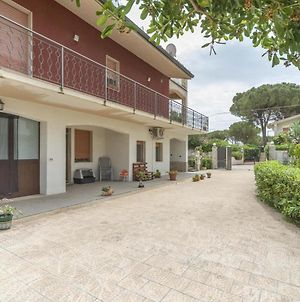 Traditional Holiday Home In Fontane Bianche With Pool photos Exterior