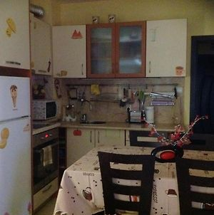 Apartment With 2 Bedrooms In Pomorie With Terrace And Wifi 300 M From The Beach photos Exterior