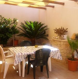 House With 2 Bedrooms In Scoglitti With Wonderful Sea View Enclosed Garden And Wifi 500 M From The Beach photos Exterior
