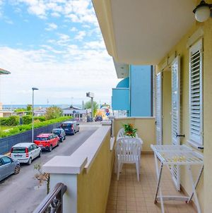 Apartment With 2 Bedrooms In Rimini, With Wifi photos Exterior