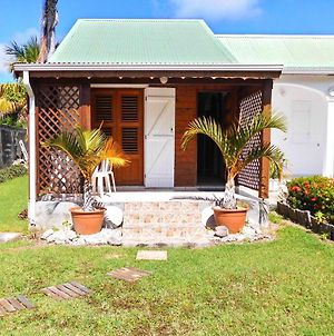 House With One Bedroom In Saint Francois With Enclosed Garden And Wifi 100 M From The Beach photos Exterior