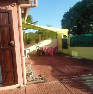 House With 2 Bedrooms In Saint Pierre, With Wonderful Mountain View, Enclosed Garden And Wifi - 3 Km From The Beach photos Exterior