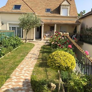 Apartment With 3 Bedrooms In Sannois, With Enclosed Garden And Wifi photos Exterior