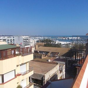 Apartment With 3 Bedrooms In Sant Carles De La Rapita With Wonderful Sea View Furnished Terrace And Wifi 200 M From The Beach photos Exterior