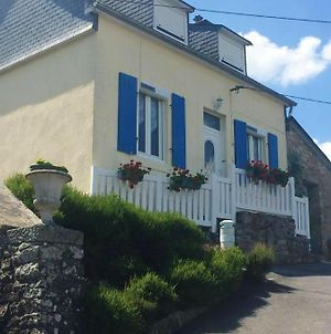 House With 2 Bedrooms In Chateaulin With Wonderful Lake View Furnished Garden And Wifi 12 Km From The Beach photos Exterior
