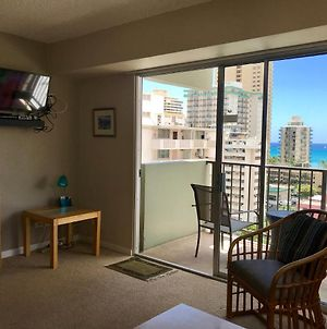 Waikiki Park Heights 1012 Monthly Apartment With Amazing Views photos Exterior