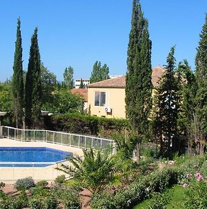 Apartment With 2 Bedrooms In Frejus With Shared Pool Furnished Terrace And Wifi 800 M From The Beach photos Exterior
