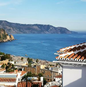 House With 3 Bedrooms In Nerja With Wonderful Sea View Furnished Terrace And Wifi 500 M From The Beach photos Exterior