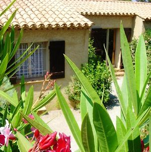 House With 2 Bedrooms In Saintemaxime With Wonderful Mountain View Shared Pool Enclosed Garden 800 M From The Beach photos Exterior