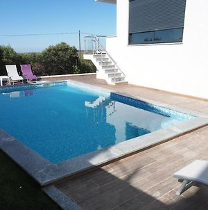 Villa With 4 Bedrooms In Mexilhoeira Grande With Wonderful Mountain View Private Pool Enclosed Garden 11 Km From The Beach photos Exterior