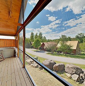 Southern Comfort: All-Suite Getaway W/ Hot Tub Cabin photos Exterior