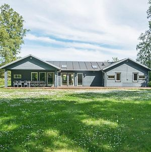 Six Bedroom Holiday Home In Grenaa photos Exterior
