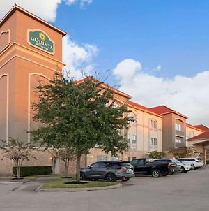La Quinta Inn & Suites By Wyndham Houston - Westchase photos Exterior