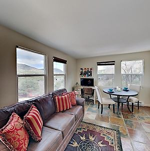 Beautiful Mountain-View Apartment In Gated Compound Apts photos Exterior