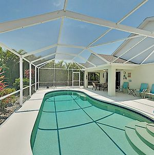 Spacious Upscale Hideaway W/ Private Caged Pool Home photos Exterior
