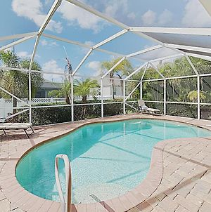 Charming Cape Coral Gem With Lanai & Pool Home photos Exterior