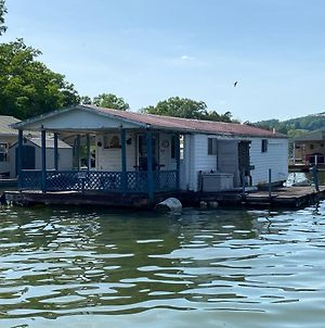 Floating Tiny Home - Need Your Own Boat To Get To This House photos Exterior