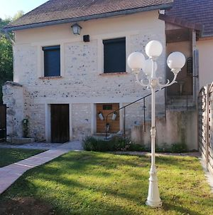 House With 2 Bedrooms In Sainte-Genevieve-Les-Gasny, With Enclosed Garden And Wifi photos Exterior